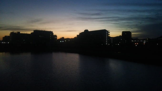 兵庫運河の黄昏